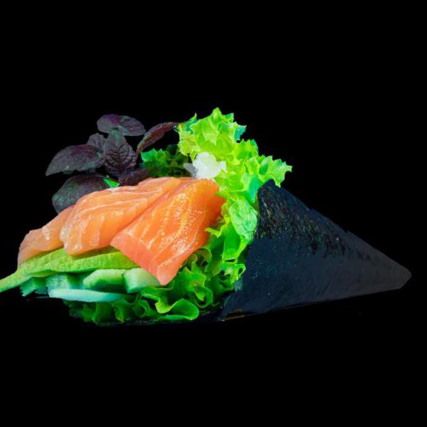 250 Salmon Temaki
